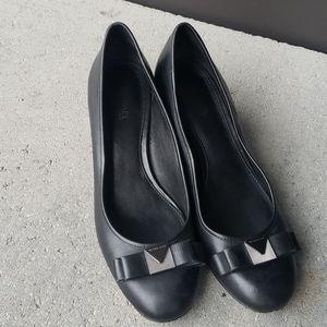 michael kors  black leather heel shoes